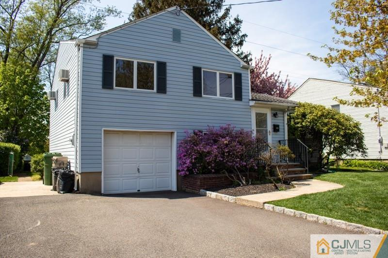 35 Campbell Drive, Sayreville